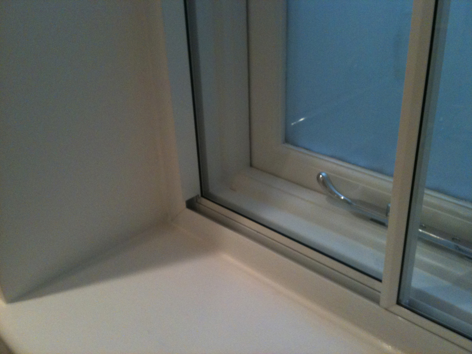 Cavity Between Primary and Secondary windows